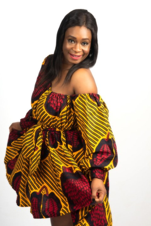 Photo of African lady in Traditional costume in the studio